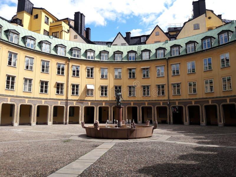 Hibuilding histórico do círculo velho na cidade europeia, Éstocolmo, Suécia foto de stock