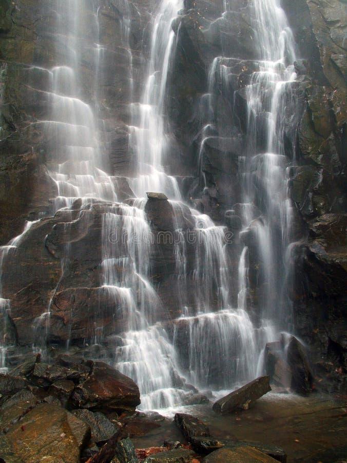 Download Hickory-Mutteren-Fälle stockfoto. Bild von landschaft, nord - 49880