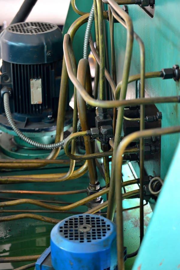 A hidráulica lubrifica a estação na máquina-instrumento no equipamento industrial Sistema de lubrificação com óleo sob a pressão imagens de stock