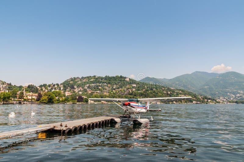 Hidroplanee en el lago Como en el norte de Italia imágenes de archivo libres de regalías