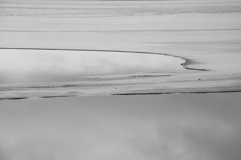 Hiele en el lago, visión desde la pista del esquí, Gorodok fotografía de archivo
