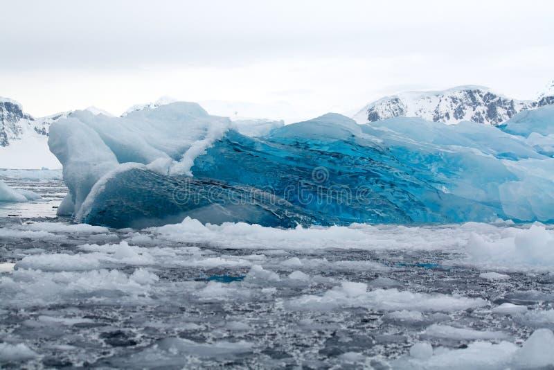 Hielo azul, la Antártida fotografía de archivo libre de regalías
