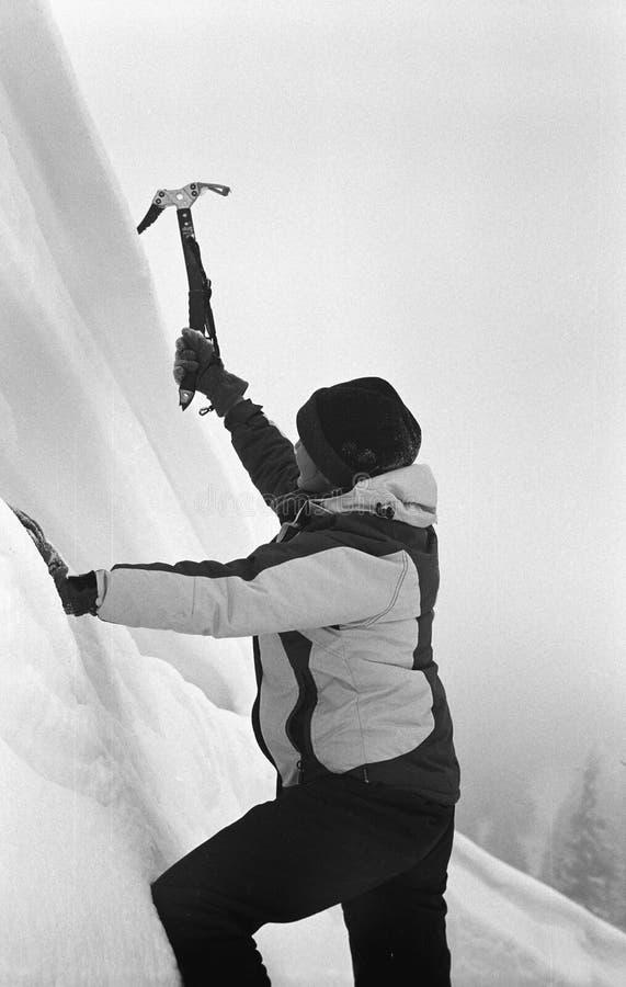 Hielo Climbing-2 de la muchacha foto de archivo