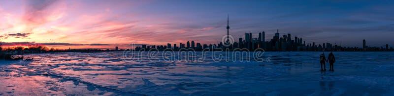Hielo de la puesta del sol del horizonte de Toronto imágenes de archivo libres de regalías