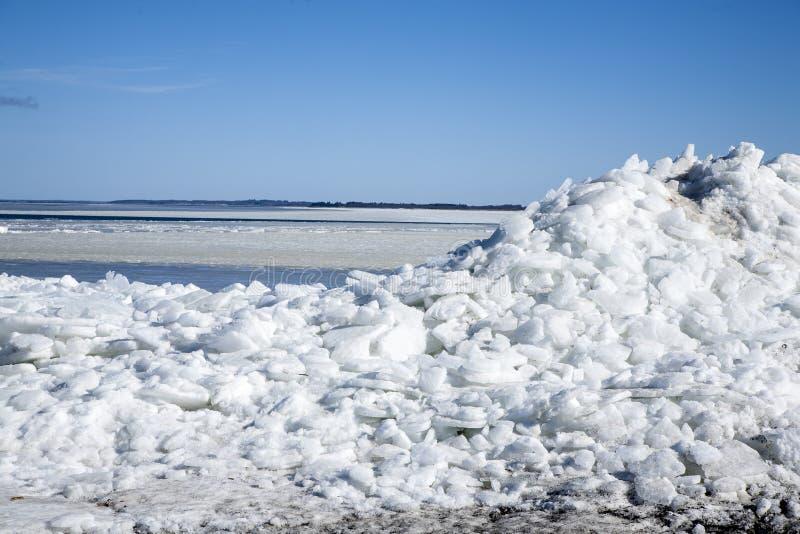 Hielo en la playa en Dinamarca fotos de archivo libres de regalías