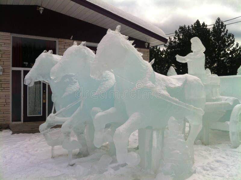 Hielo-escultura en el invierno canadiense 3 fotos de archivo