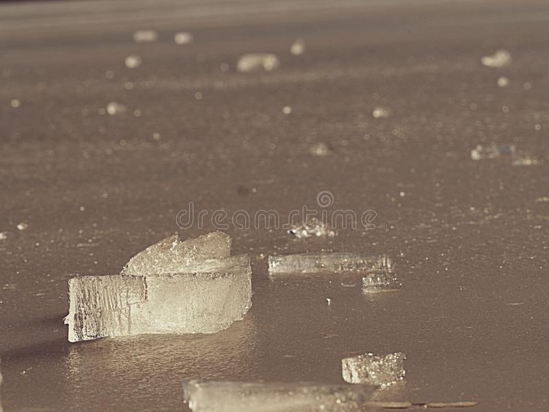 Hielo quebrado congelado Imagen abstracta de la masa de hielo flotante de hielo con la reflexi?n de Sun fotos de archivo