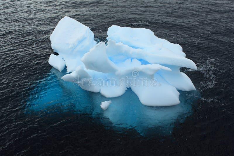Hielo y glaciares del paisaje en la Antártida foto de archivo