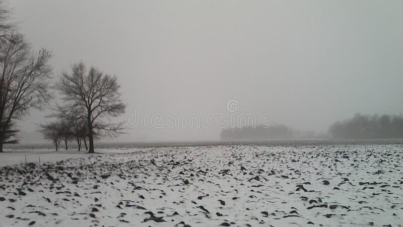 Hielo y nieve, apagado de Kemp Road en Lima, Ohio fotografía de archivo