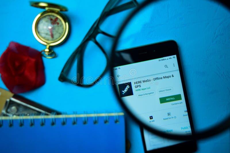HIER WeGo - Off-line Kaarten & GPS dev app met het overdrijven op Smartphone-het scherm royalty-vrije stock foto