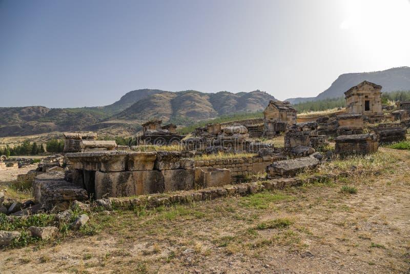 Hierapolis, Турция Крипты античного некрополя стоковые фотографии rf