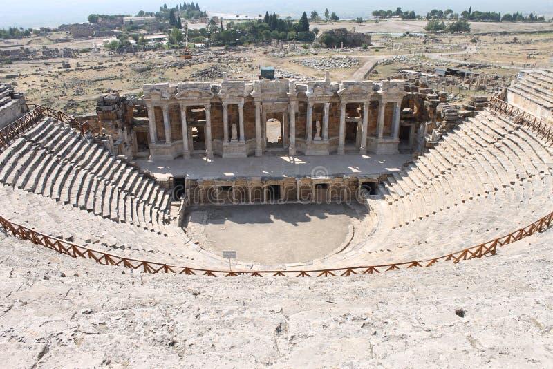 Hierapolis fördärvar av den forntida staden Pamukkale arkivfoton