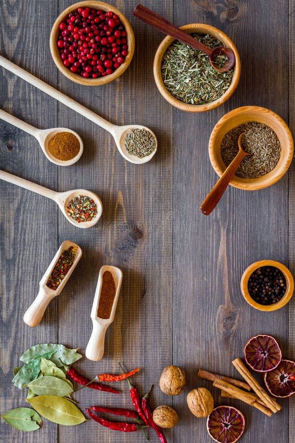 Hierbas Y Especias Secas Coloridas Para Cocinar La Opinión Superior ...
