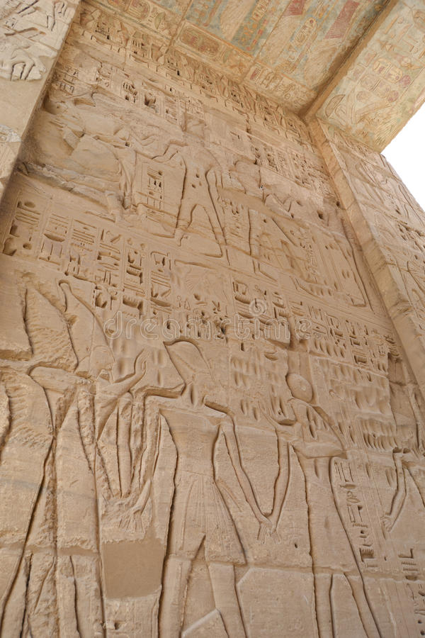 Hieroglyphics al tempiale di Medinat Habu fotografia stock libera da diritti