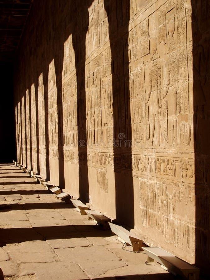 Hierogram im Tempel von Horus lizenzfreies stockbild