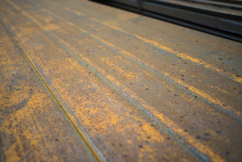 Hierro o acero oxidado de la textura del metal del grunge en los tubos del squre fotografía de archivo libre de regalías