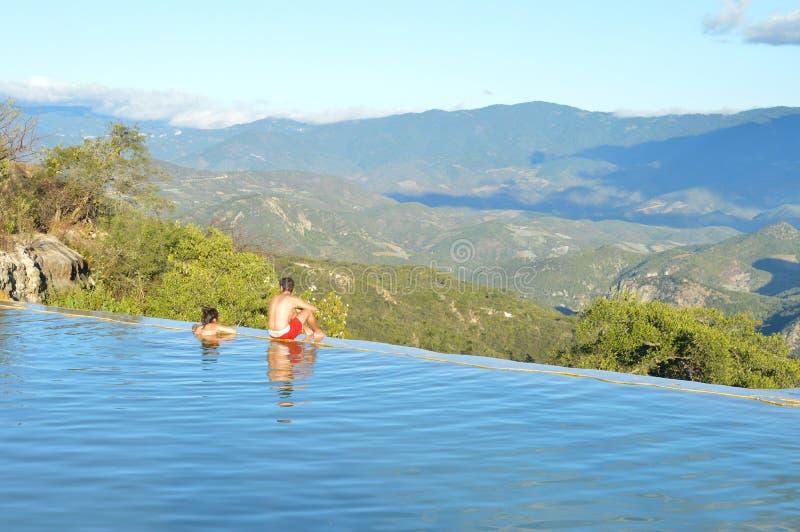 Hierve el agua gorące wiosny w średniogórzach Oaxaca fotografia stock