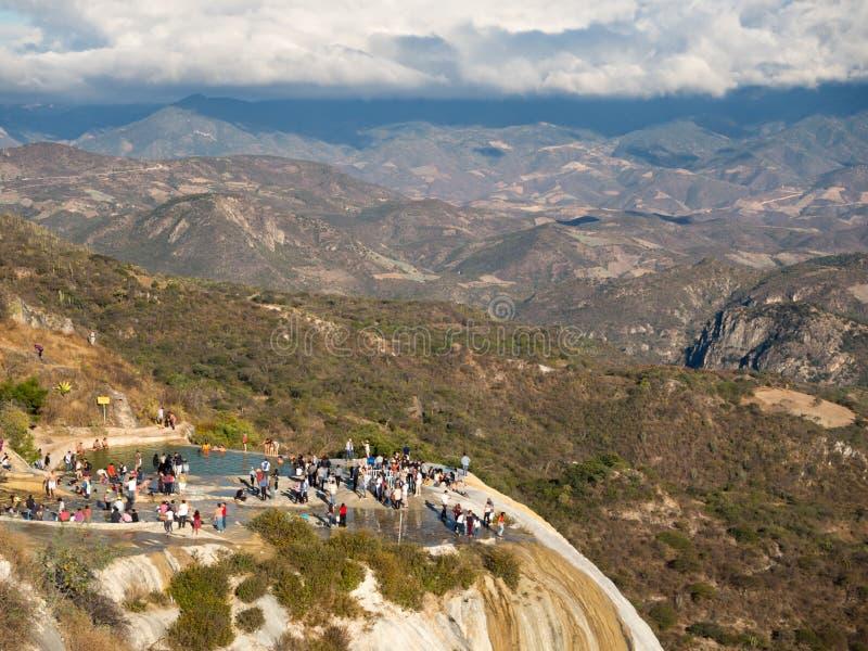 Hierve el agua, Oaxaca, Meksyk, Ameryka Południowa: [naturalna cud formacja w Oaxaca regionie, gorącej wiosny siklawa wewnątrz obrazy stock