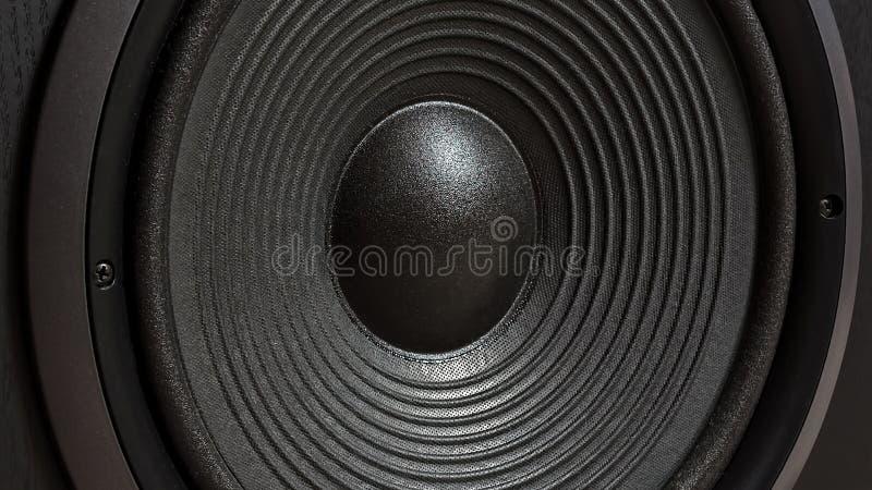 Hifi zwarte luide sprekersdoos in dichte omhooggaand Professionele AudioApparatuur stock foto