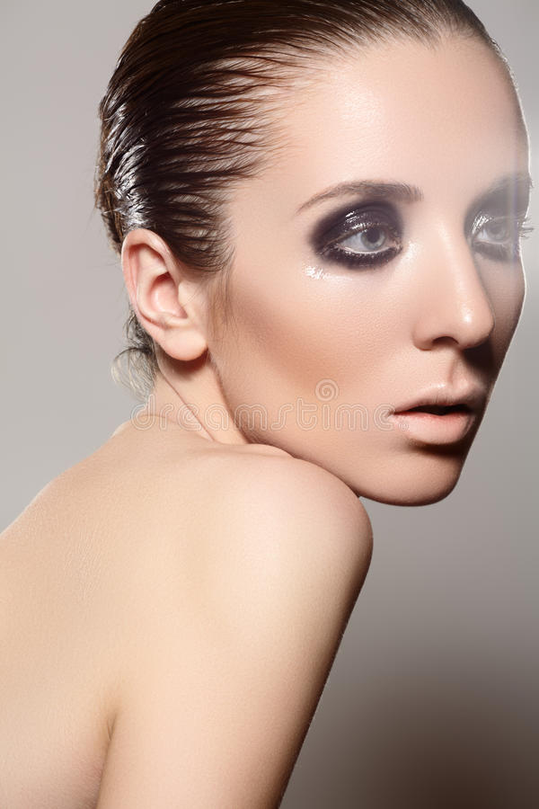 Download High Fashion Style. Model With Dark Gloss Make-up, Wet Hairstyle Stock Image - Image: 27699933
