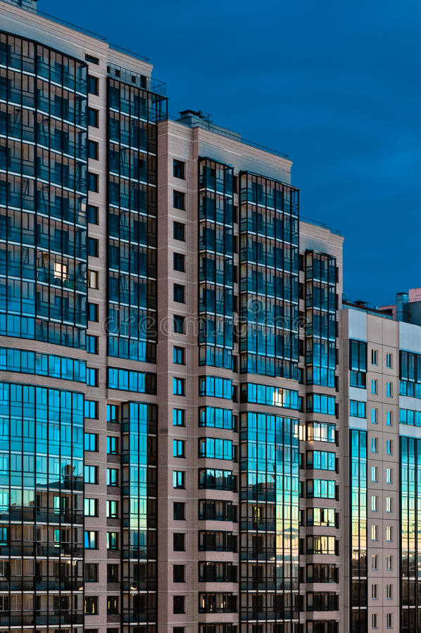 Download High Rise Building Reflect Light Royalty Free Stock Image - Image: 25696266