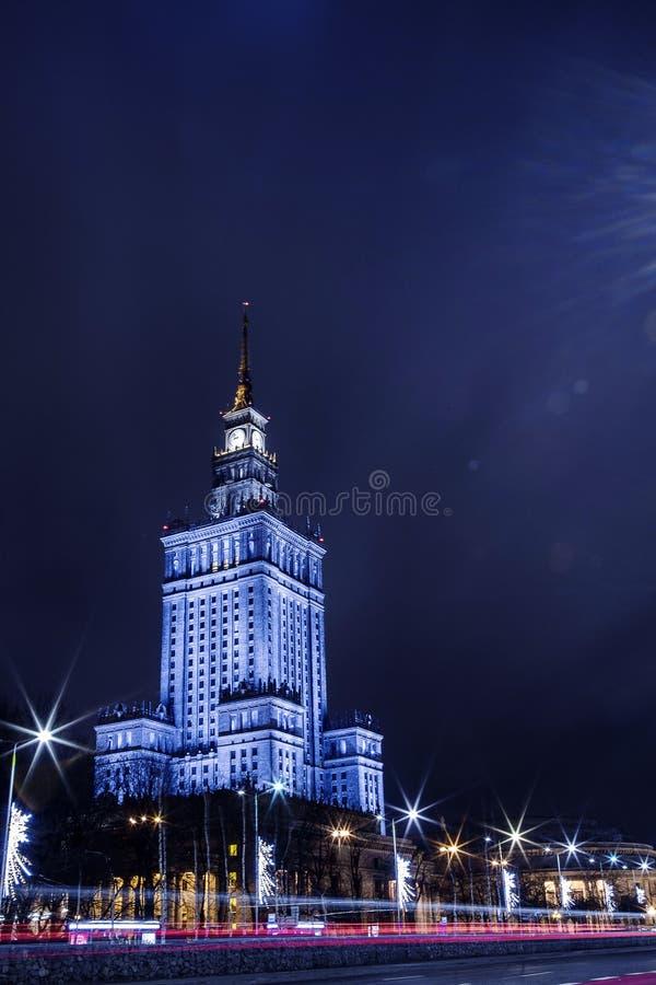 High-rise de bouw Centrum van de Nachtstad van Warshau Warschau polen Polska paleis van cultuur en wetenschap stock fotografie