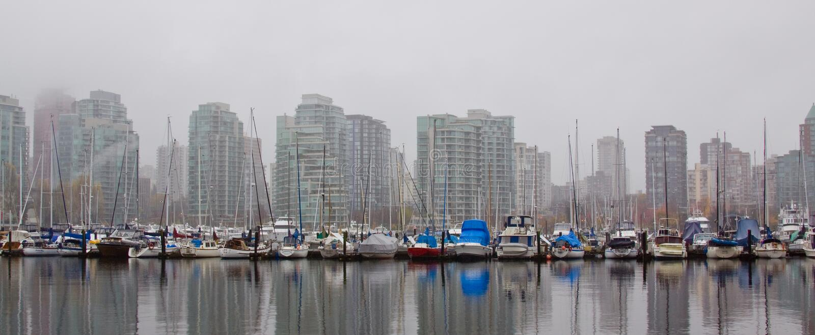 Download High Rise Skyline Marina Stock Photo - Image: 7174700