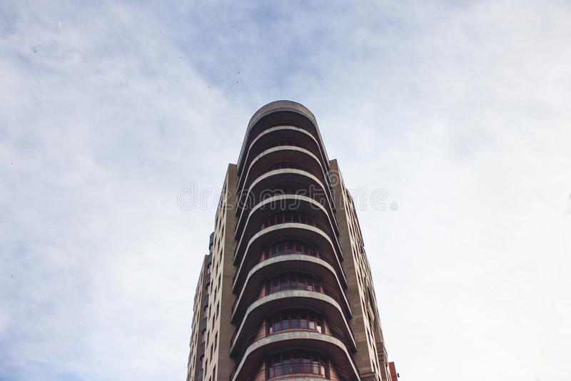High-rise woningbouw, mening van onderaan royalty-vrije stock foto's