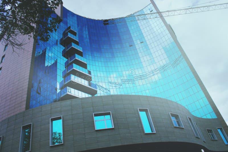 High-rise woningbouw, mening van onderaan royalty-vrije stock foto