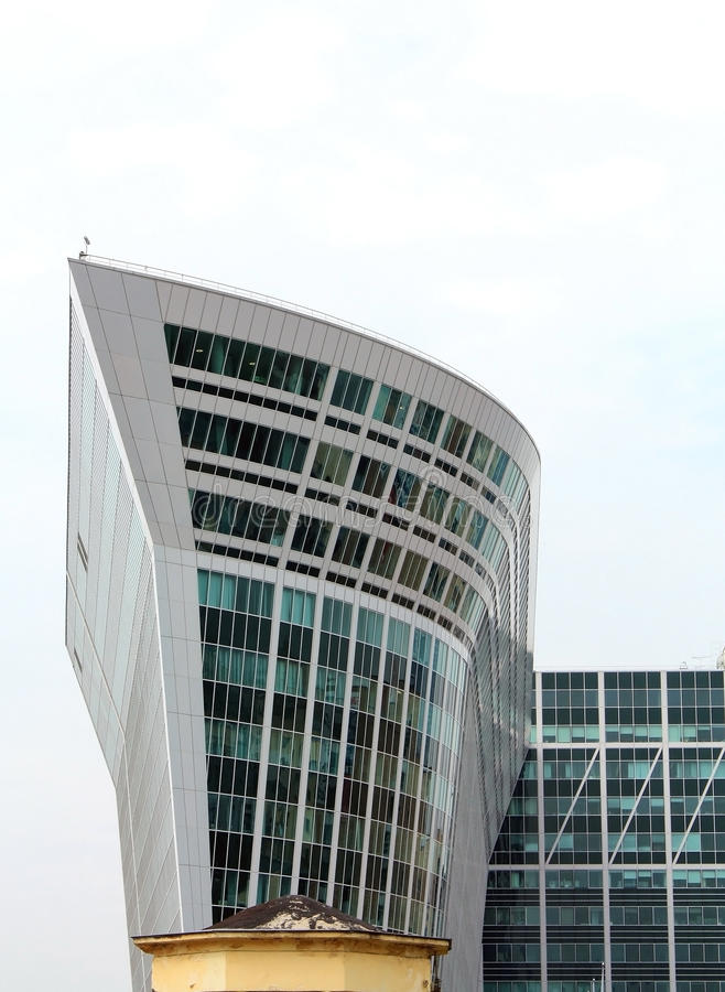 High-tech style building