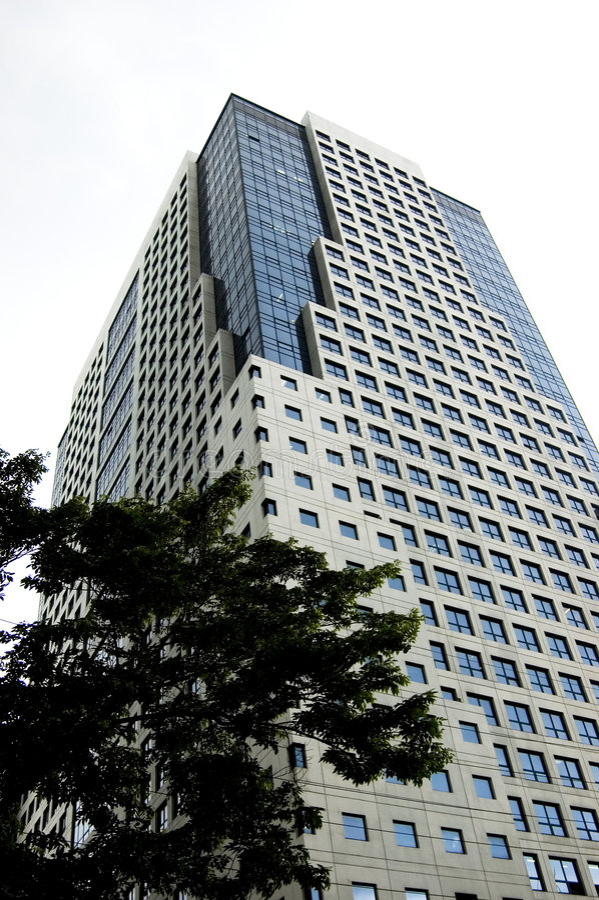highrise budynku. obrazy stock