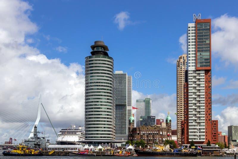 Highrise da cidade de Rotterdam fotografia de stock