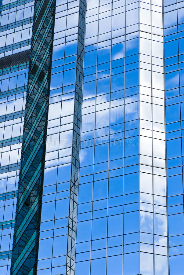 Free Highrise Glass Building With Sky Royalty Free Stock Photo - 14635935