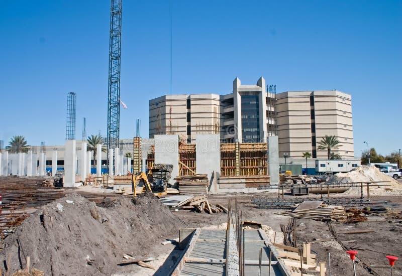 Highriseeigentumswohnung-Baustelle stockfotos