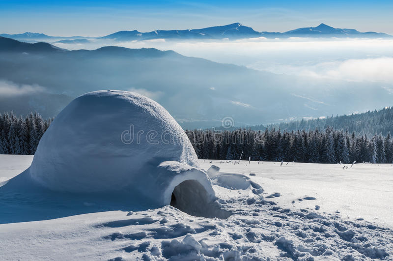 hight山的园屋顶的小屋 图库摄影