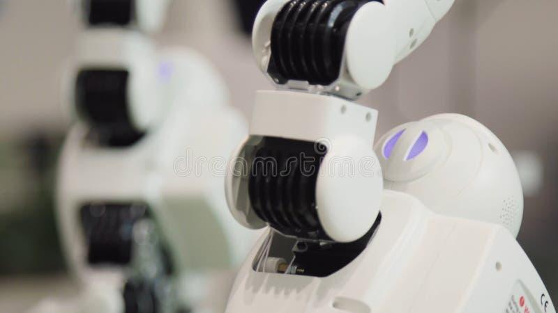 Hightechzukunft-und Wissenschafts-Konzept Intelligentes Humanoid-Roboter-Tanzen Tanzenroboter Zukünftiges Technologiekonzept stockbilder