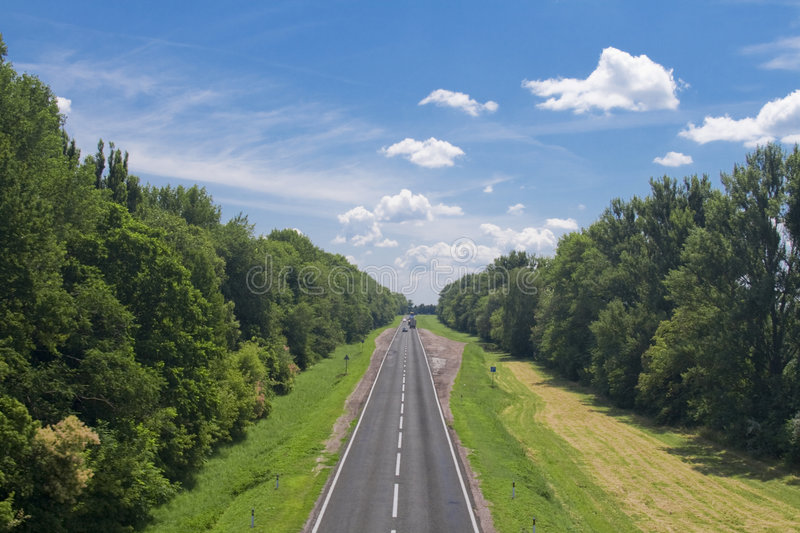 Highway. Empty country highway captured from a bridge royalty free stock images