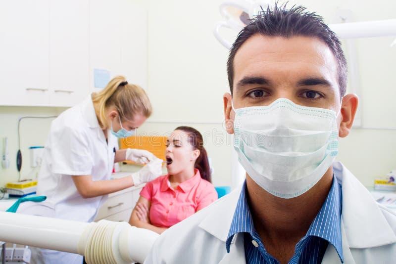 Higienista dental imagen de archivo libre de regalías