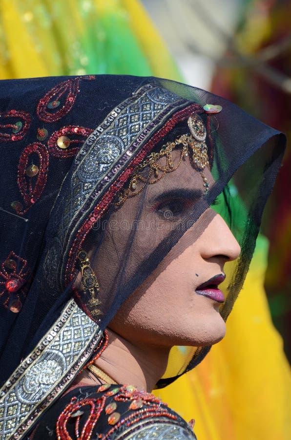 Hijras - tredje könsbestämmer, klädde som kvinna på Pushkar nötkreatur mässan, Indien royaltyfri bild