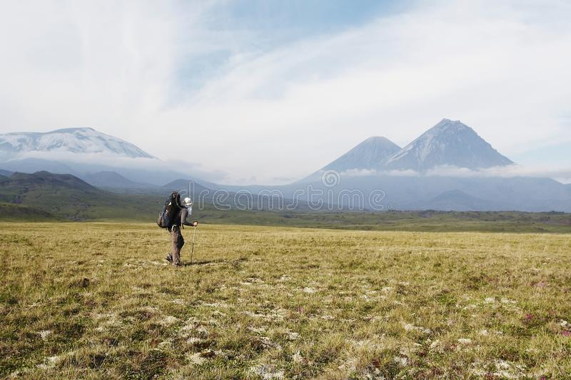 Hike em Kamchatka fotografia de stock