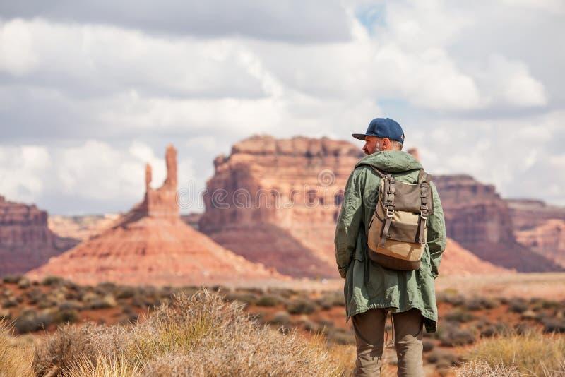 Hiker в долине богов, США стоковое фото