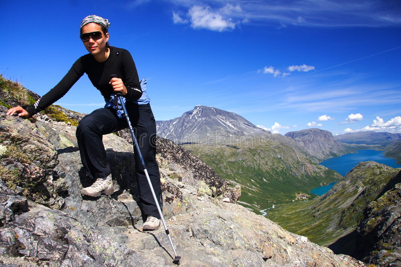 hiking Норвегия стоковые изображения rf