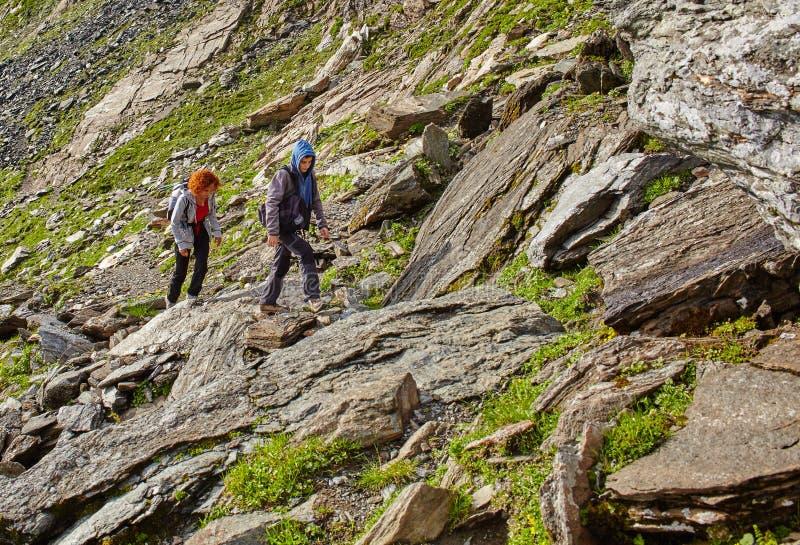 hiking семьи стоковое фото