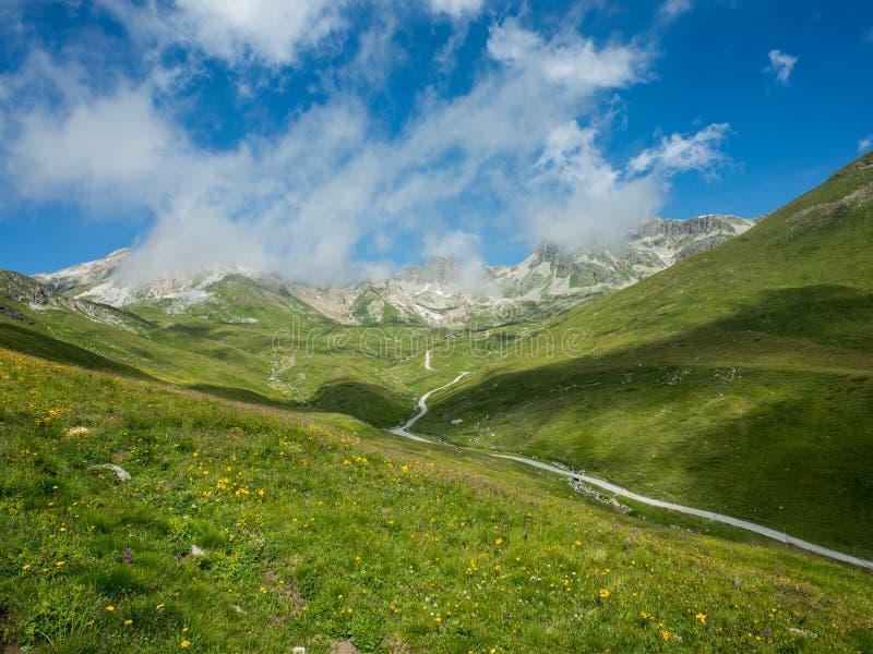 Hiking in Corviglia fotografie stock libere da diritti