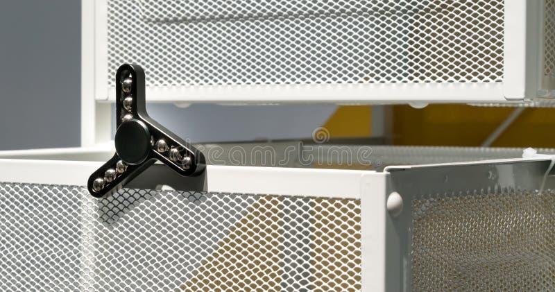 Hilandero negro del aluminio de la persona agitada fotos de archivo libres de regalías