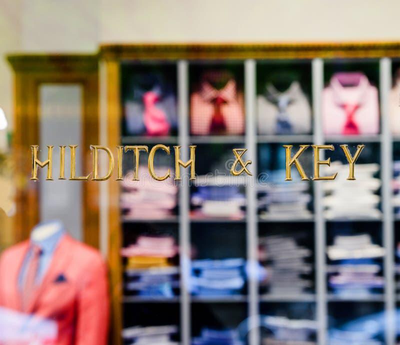 Hilditch und Schlüsselluxushemdkostümmode speichern Fassade stockbild