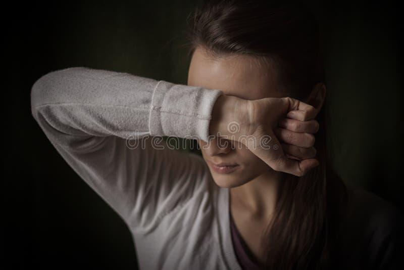 Hilflose Frau stockfoto