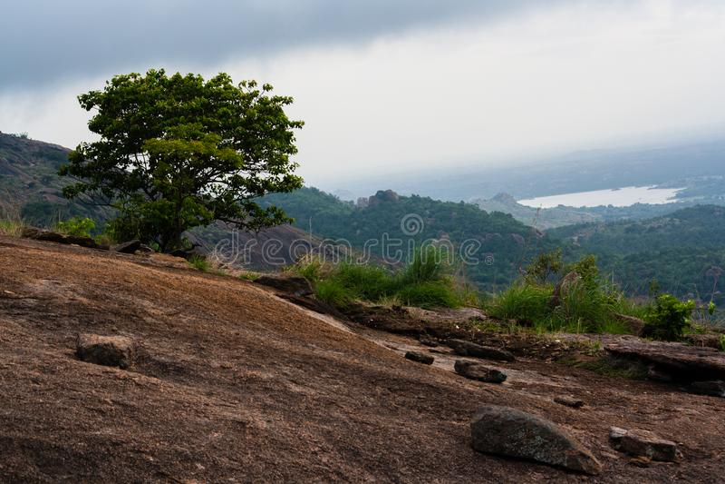 Hill και λίμνη στοκ φωτογραφίες με δικαίωμα ελεύθερης χρήσης