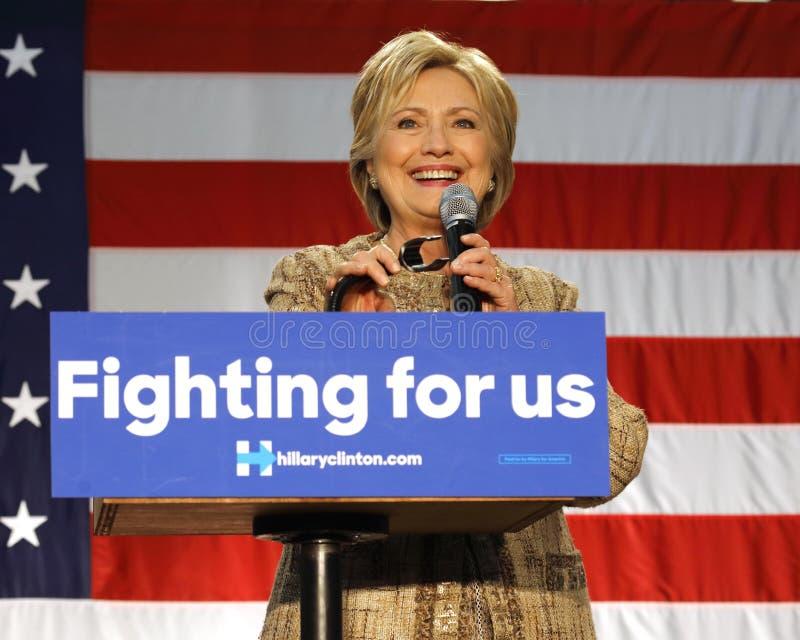 Hillary Clinton Campaigns für Vorsitz an Schalter-College Los-Engel lizenzfreie stockbilder