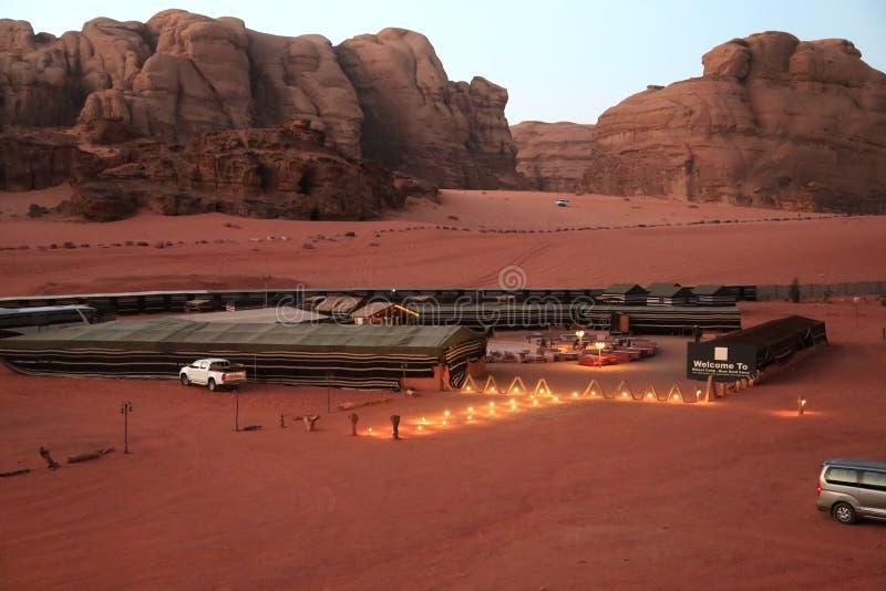 Hillawikamp - nam zandkamp in Wadi Rum-woestijn, Jordanië toe royalty-vrije stock foto's